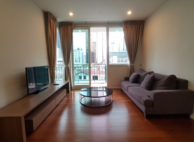 Two bedroom condo for rent in Asoke - Living room