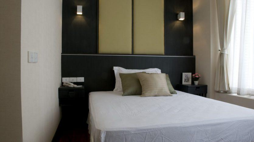 Two bedroom condo for rent in Langsuan - Bed