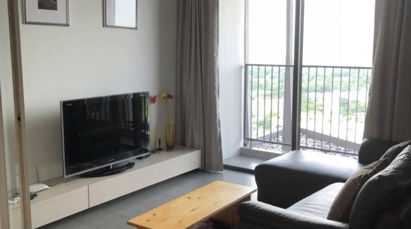 One bedroom condo for rent in Ari - Living room