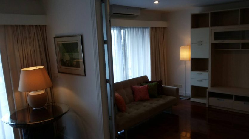 Two bedroom condo for rent in Ari - Second room