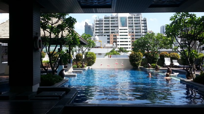 Two bedroom condo for rent in Nana - Pool