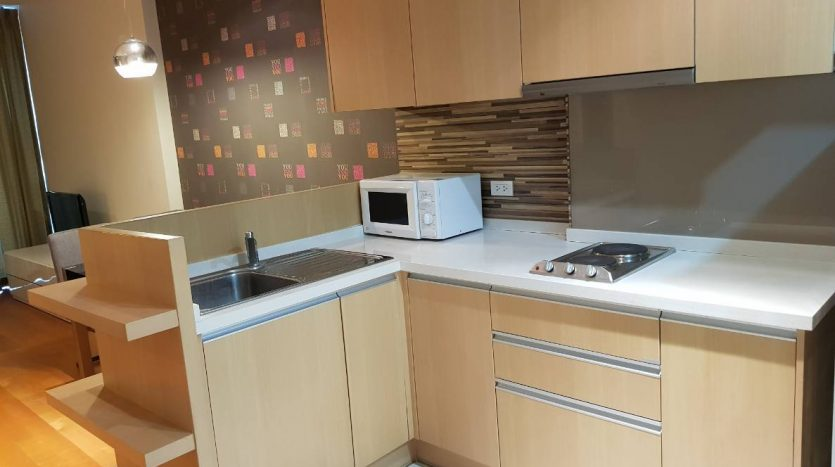 One bedroom condo for rent in Ratchathewi - Kitchen