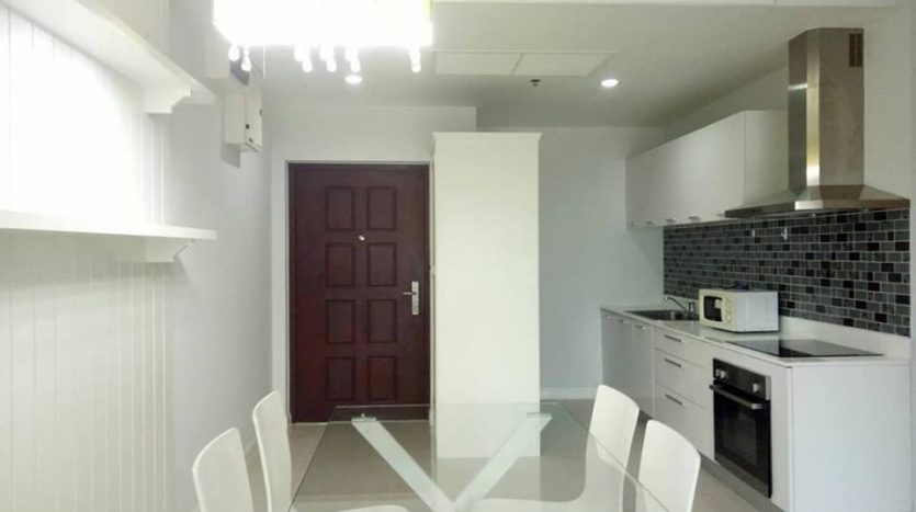 Two bedroom condo for rent in Nana - Dining