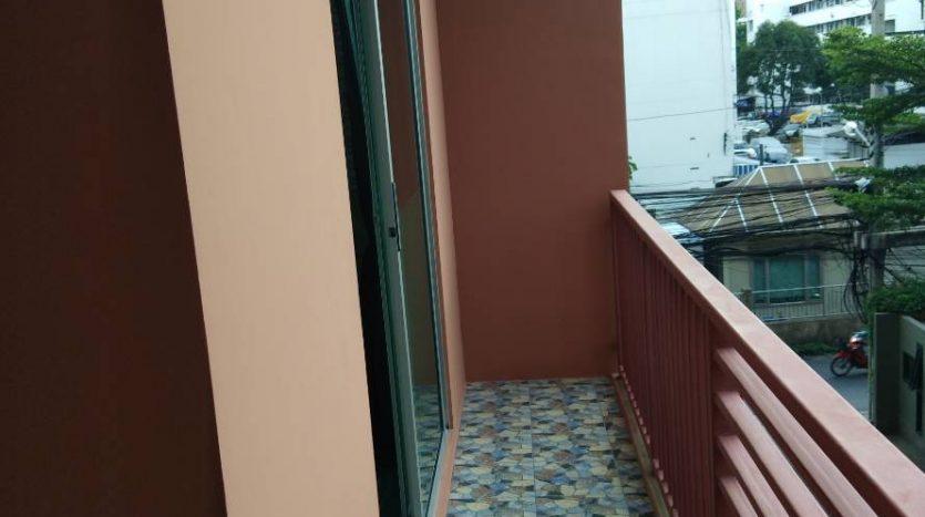 One bedroom condo for rent in Phaholyothin 14 - Balcony