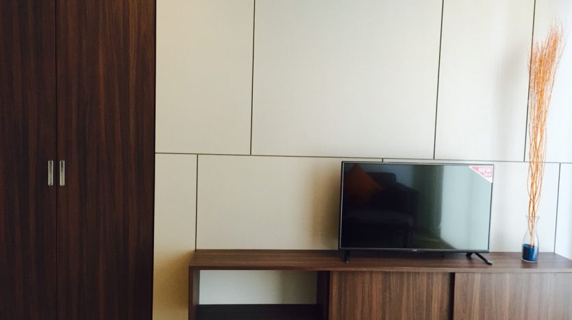 One bedroom condo for rent in Ari -Wall