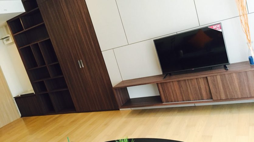 One bedroom condo for rent in Ari - Living