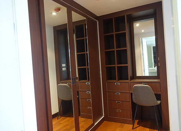 Three bedroom penthouse for rent in Ekamai - Wardrobe
