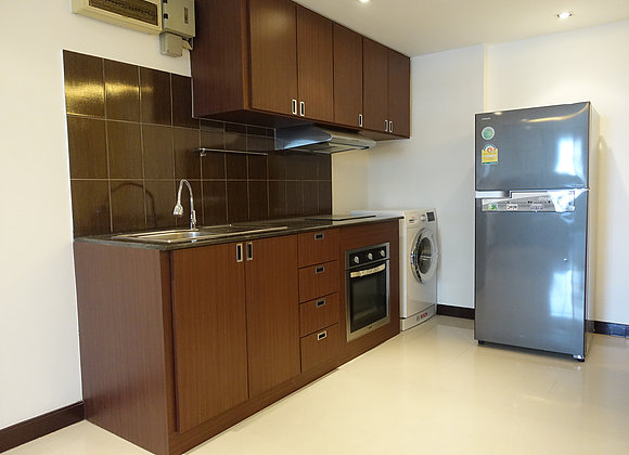 Three bedroom penthouse for rent in Ekamai - Kitchen