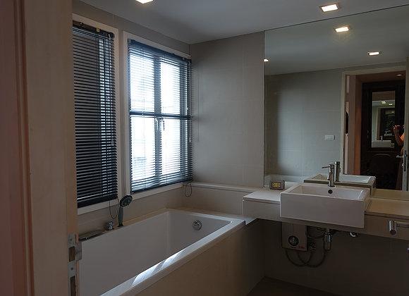 Three bedroom penthouse for rent in Ekamai - En-Suite