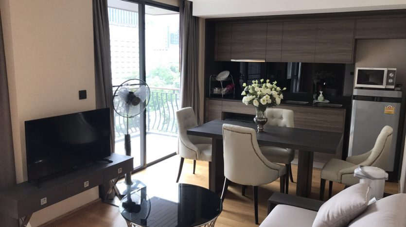 Two bedroom condo for rent in Langsuan - Living room