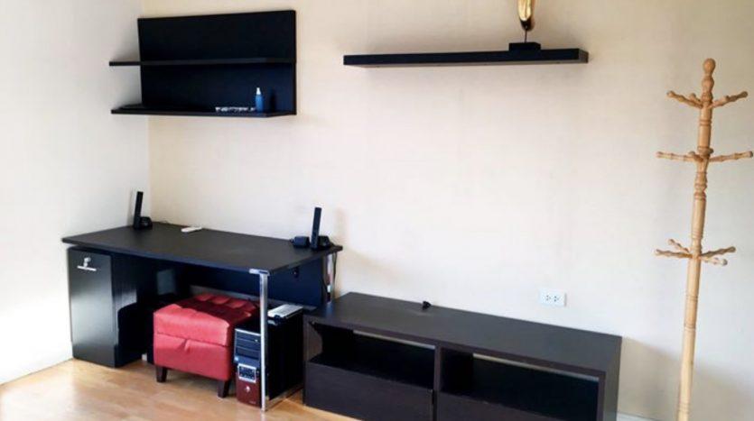 One bedroom condo for rent in Ari - Desk