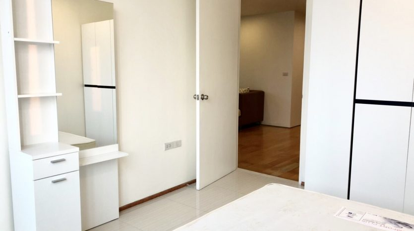 Two bedroom unit for rent in Ari - Second bedroom