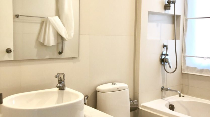 Two bedroom unit for rent in Ari - Second bathroom