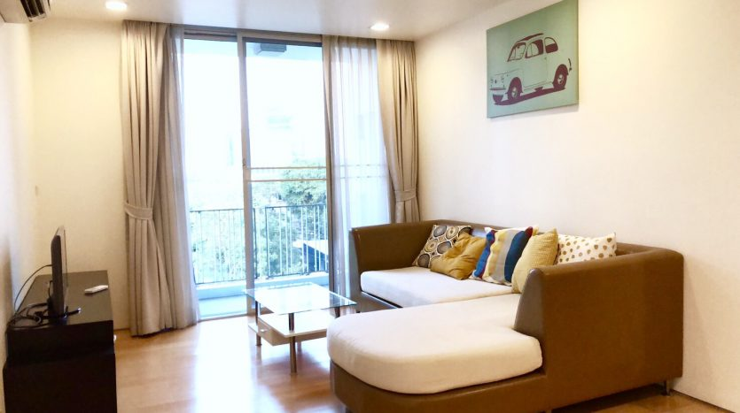 Two bedroom unit for rent in Ari - Sofa