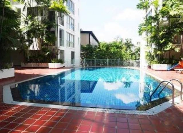 Three bedroom condo for rent in Thonglor - Swimming pool