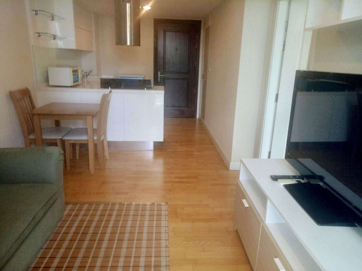 one bedroom condo for rent on soi aree 4  promove