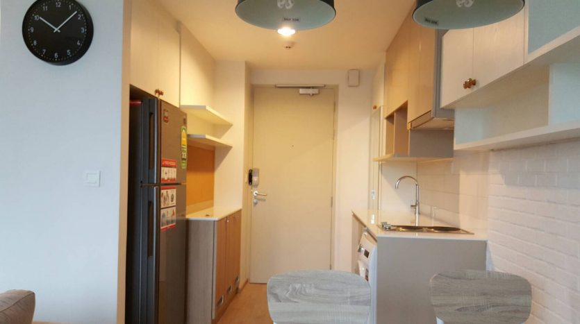 Two bedroom condo for rent in Ratchathewi - Fridge