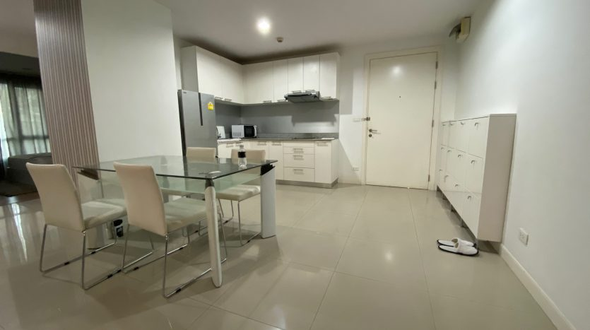 Two bedroom condo for rent in Ari - Kitchen