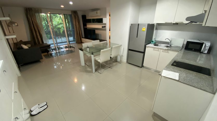 Two bedroom condo for rent in Ari - Dining