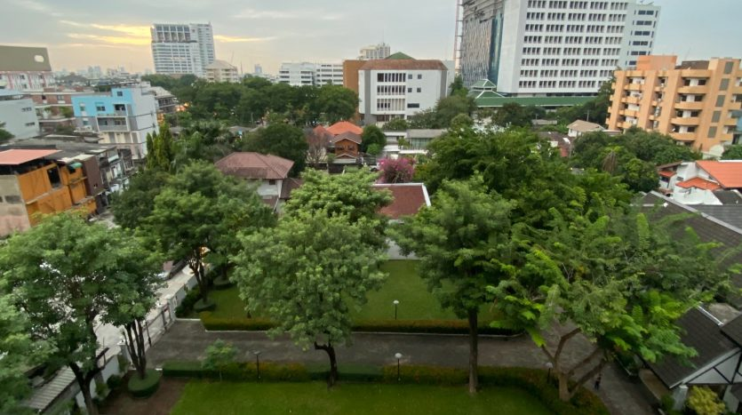 Two bedroom condo for rent in Ari - View
