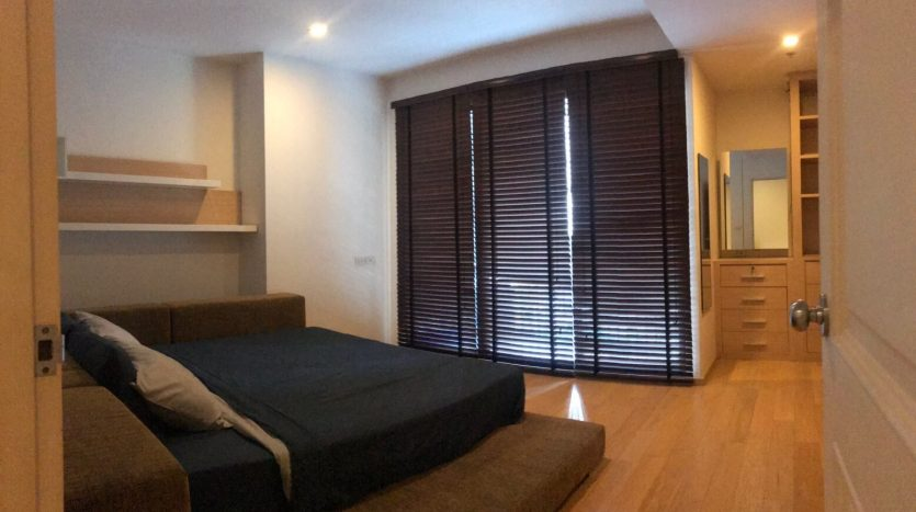 One bedroom condo for rent in Ari - Master bedroom