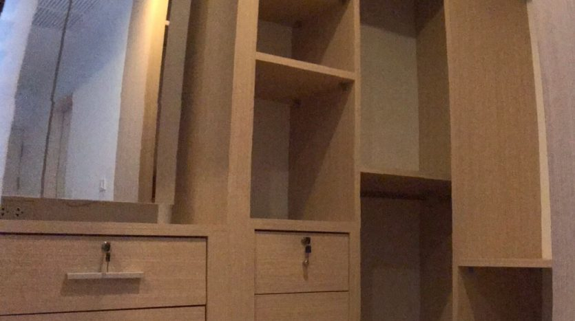 One bedroom condo for rent in Ari - Storage