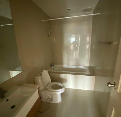One bedroom condo for rent in Ari - Bathroom