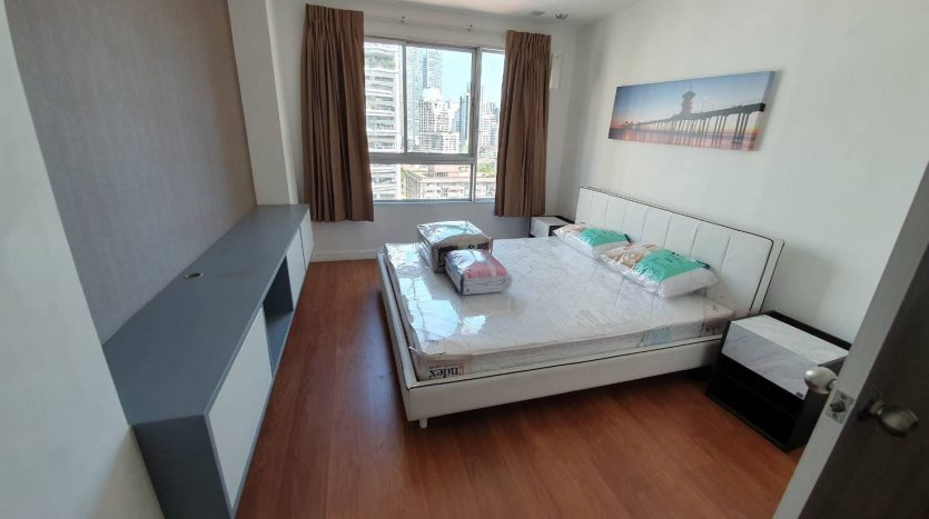 One bedroom condo for rent in Phrom Phong - Bedroom