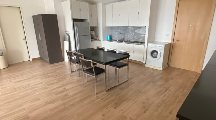 Three bedroom condo for rent in Ari - Kitchen