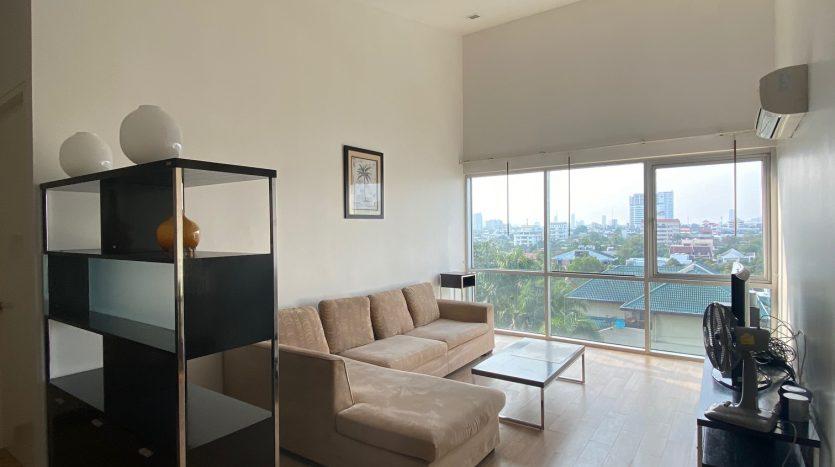 Three bedroom condo for rent in Ari - Living area