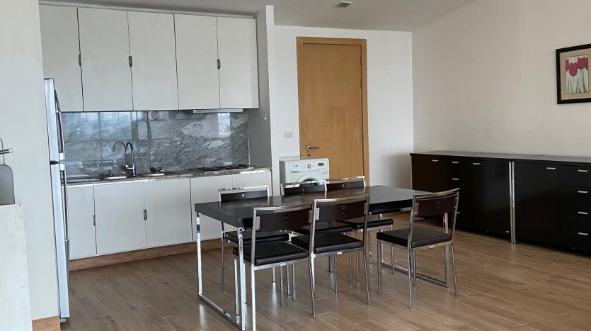 Three bedroom condo for rent in Ari - Dining table