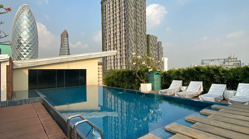 Three bedroom condo for rent in Ari - Swimming pool