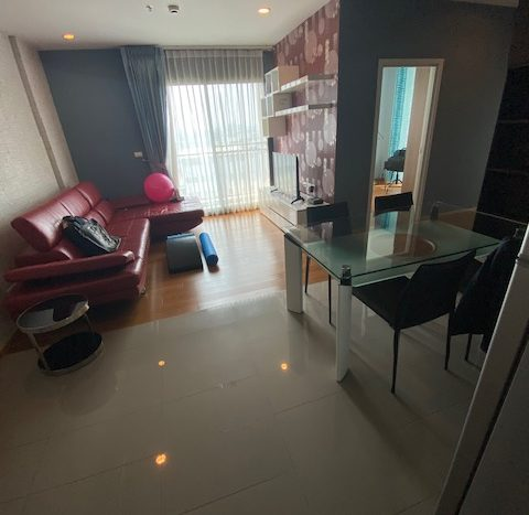 Two bedroom unit for rent in Ari - Living area
