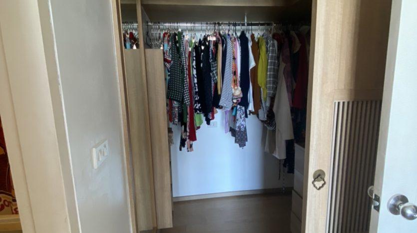 One bedroom condo for rent in Ari - Wardrobe