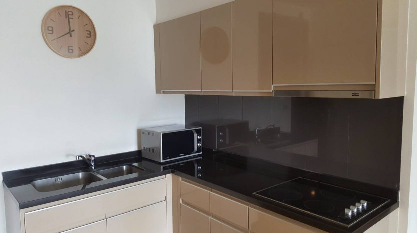Two bedroom condo for rent in Phrom Phong - Kitchen