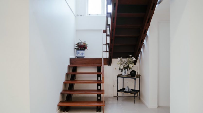 House for rent in Ari - Staircase