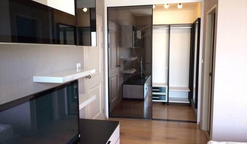 One bedroom for rent in Ari - Bedroom storage