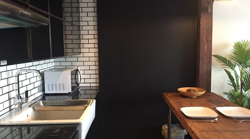 Studio for rent in Thonglor - Breakfast bar