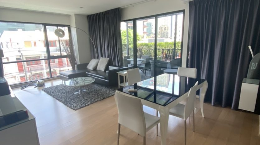 One bedroom condo for rent in Ari - Living room 2