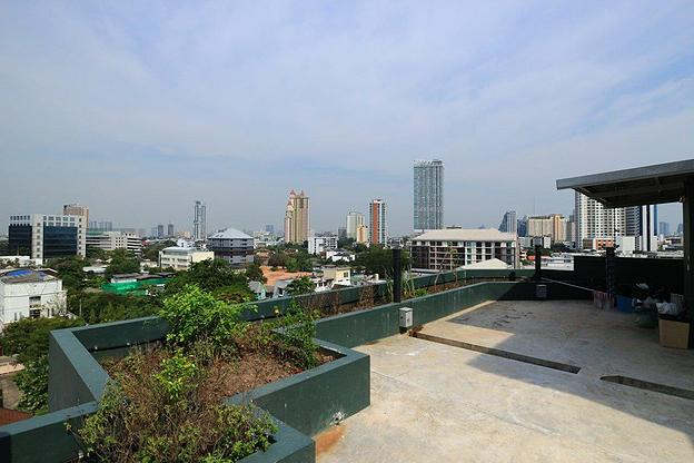 Studio for rent in Ari - Roof deck