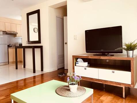 One bedroom unit for rent in Thong lo - TV