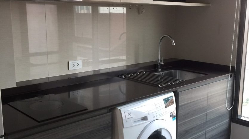 One bedroom condo for rent in Ari - Washing machine