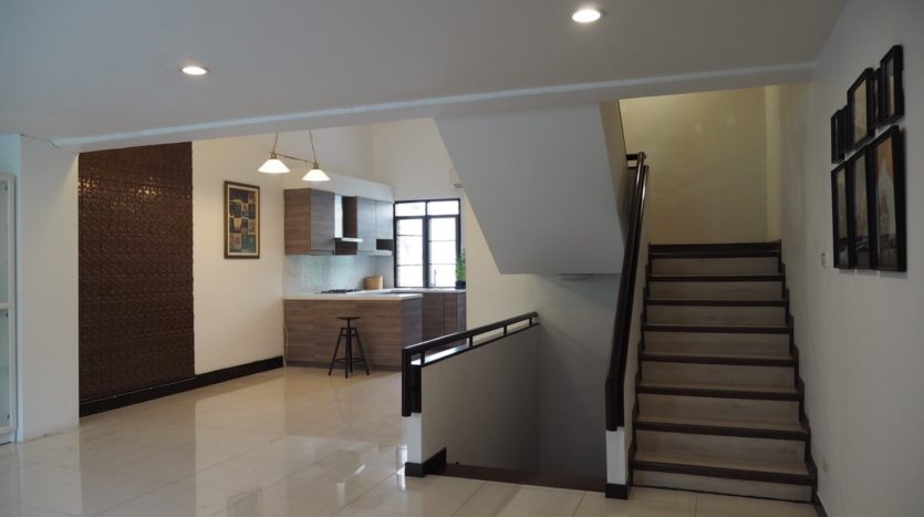 Townhouse for rent in Thong Lo - Stairs