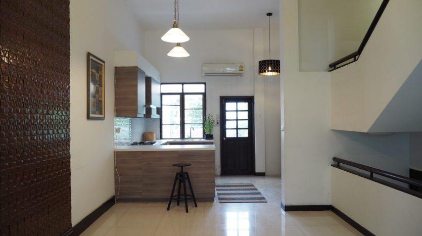 Townhouse for rent in Thong Lo - Space