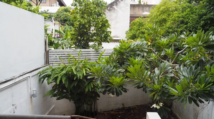 Townhouse for rent in Thong Lo - Balcony