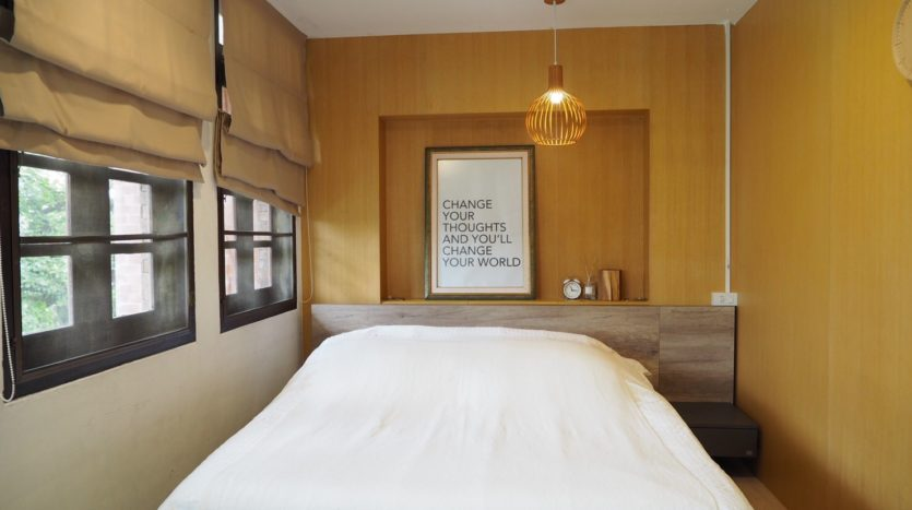 Townhouse for rent in Thong Lo - Master bedroom