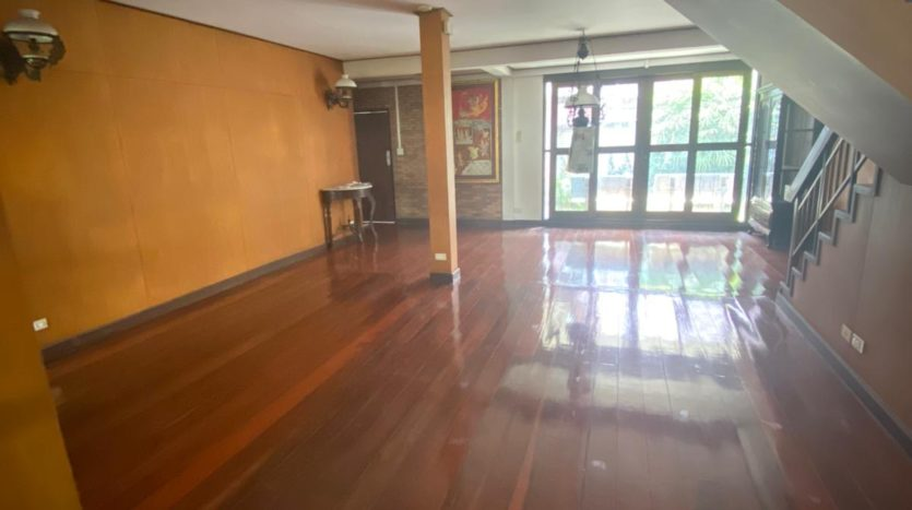 Five bedroom house for rent in Ari - Downstairs
