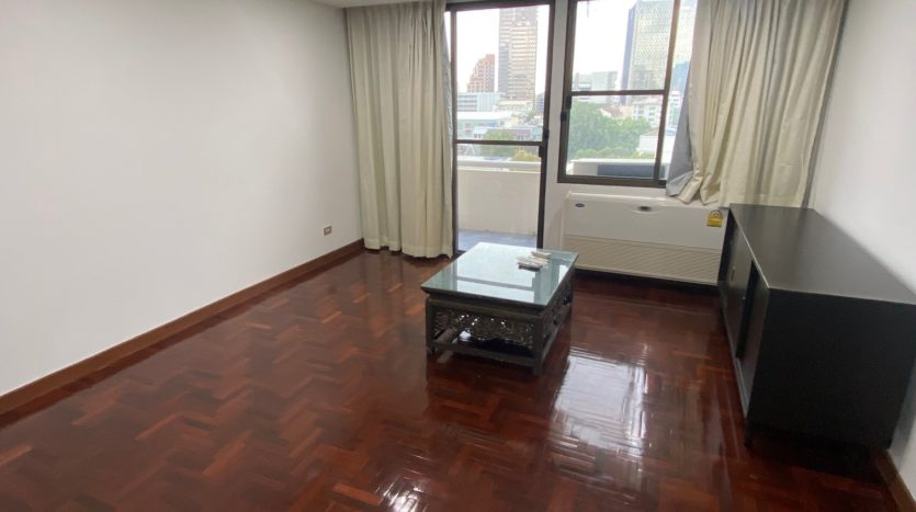 One bedroom for rent in Ari - TV Stand