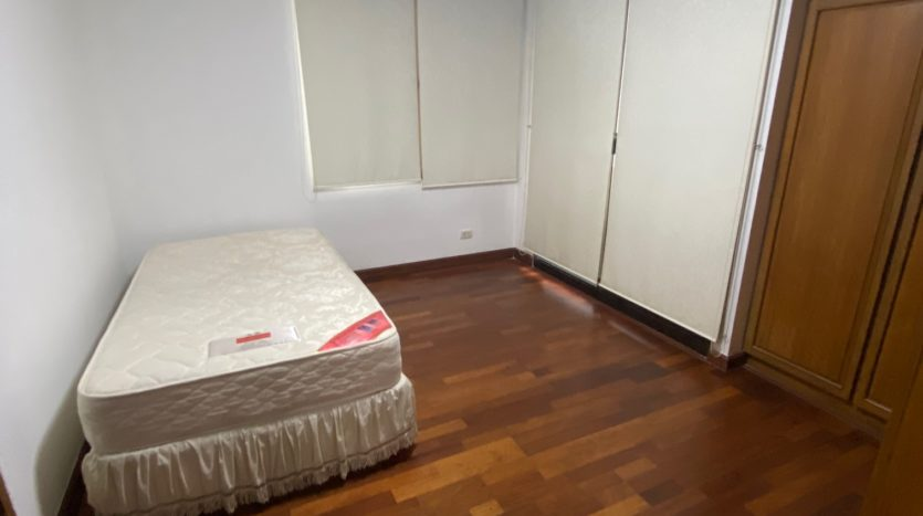 Two bedroom condo for rent in Ari - Second bedroom