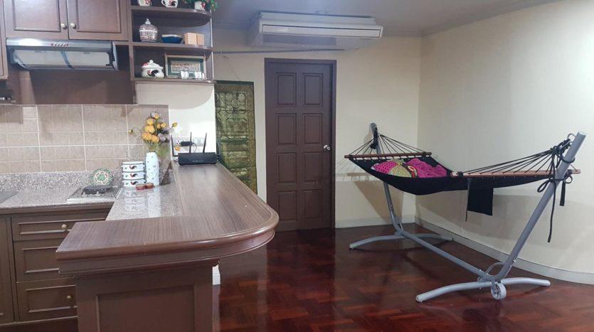 Three bedroom pet friendly condo for rent in Ari - Bar